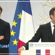Municipales : à 4 mois des élections, 1700 maires reçus par Macron