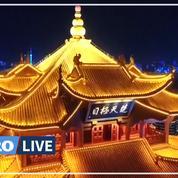 Coronavirus: à Wuhan, un spectacle de lumières pour célébrer la fin du confinement