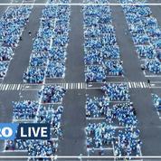 Record du monde battu: 3500 Schtroumpfs rassemblés à Landerneau