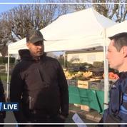Coronavirus: le moment surréaliste où gendarmes et policiers ferment un marché dans l'Oise