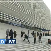 Devant l'IHU de Marseille, une longue file d'attente pour se faire dépister