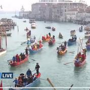Les images de la parade sur le Grand Canal au deuxième jour du carnaval de Venise