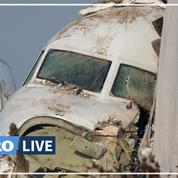 Les images de la carcasse de l'avion qui s'est écrasé au Kazakhstan