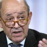 Coronavirus: 130 000 Français bloqués à l'étranger, affirme Jean-Yves Le Drian