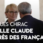 Aux Invalides, Claude Chirac vient saluer les Français venus rendre hommage à son père