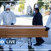 À Bergame, la terrible procession des convois funéraires au cimetière de la ville