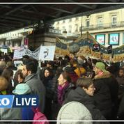 Manifestation contre les violences policières par les mères des lycéens de Mantes-la-Jolie