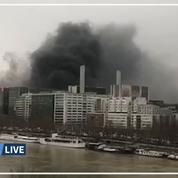 Des véhicules incendiés en marge d'un concert à Paris