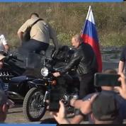 Poutine se met en scène lors d'un festival de motards en Crimée
