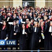 Retraites: en musique, les avocats continuent la grève à Bordeaux