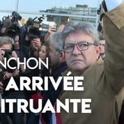 Jean-Luc Mélenchon arrive au tribunal entouré de ses partisans