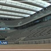 Les images du nouveau toit du court central de Roland-Garros