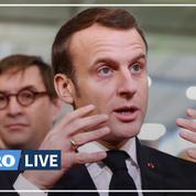 Dès son arrivée au Salon de l'agriculture, Emmanuel Macron échange avec les agriculteurs