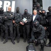 Police et gendarmerie : l'hommage sur France 2