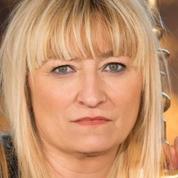 Christine Bravo conserve ses jupons sur Chérie 25
