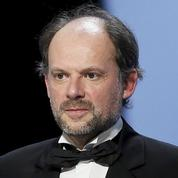 Denis Podalydès dans le remake du Passe-muraille