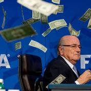 Pluie de billets sur Blatter : un canular signé par une star de la télé anglaise