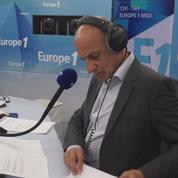 Une minute avant le direct de... Jean-Michel Aphatie sur Europe 1