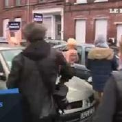 Départementales: Marine Le Pen chahutée par les Femen à Henin-Beaumont