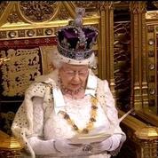 Royaume-Uni: la reine Elizabeth II annonce un gel des impôts sur les ménages jusqu'en 2020