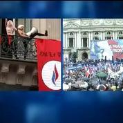 Défilé du FN: l'évacuation musclée des trois Femen