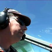 Parachutisme: le grand saut de 12 jeunes du Secours populaire