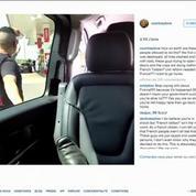 Coincée dans une voiture Uber, Courtney Love interpelle Hollande