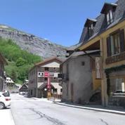 Isère: la montagne menace de s'effondrer dans le lac du Chambon