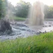 Un terrain de golf ravagé par des éruptions de gaz