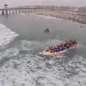 Ils battent le record du nombre de personnes sur une planche de surf