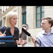 Handicap : la secrétaire d'État rend visite aux commerçants du Marais