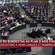 Merkel plaide au Bundestag pour une aide à la Grèce