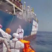 Images émouvantes de migrants repêchés en mer par Médecins sans frontières