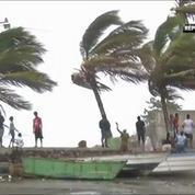 Caraïbes : la tempête Erika balaie la Dominique