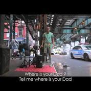 Stromae rejoue «Papaoutai» à New York