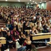 Des amphithéâtres bondés dans les universités françaises