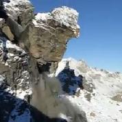 En Suisse, le détachement d'un rocher crée un éboulement impressionnant
