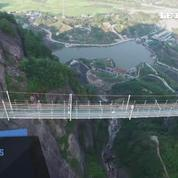 Chine : un pont en verre pour défier le vertige