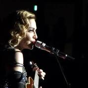 Madonna chante