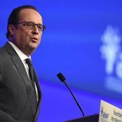 Hommage appuyé de François Hollande aux forces de l'ordre