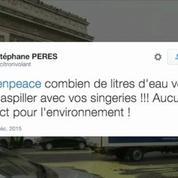 COP21: Greenpeace repeint Paris, plusieurs militants arrêtés