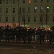 Des manifestations pro et anti réfugiés se font face en Allemagne