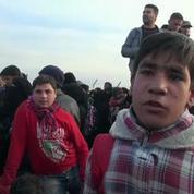 Des dizaines de milliers de réfugiés fuyant Alep bloqués à la frontière turque