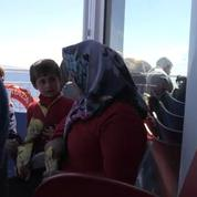 La traversée de l'espoir : reportage dans un bateau, de Lesbos à Athènes