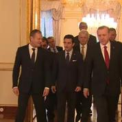 Turquie: la police investit les locaux du journal Zaman, hostile au président Erdogan