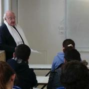 A 73 ans, un professeur français reprend du service pour enseigner en Syrie