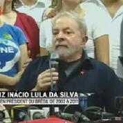 Soupçonné de corruption, l'ancien président du Brésil Lula se défend
