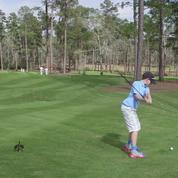 Un enfant de 11 ans réussit un trou en un devant Tiger Woods