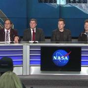 SpaceX réussit l'atterrissage de sa fusée Falcon 9 en pleine mer