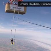 Anna Cochrane établit un record en faisant du trapèze à 3159,25 m d'altitude